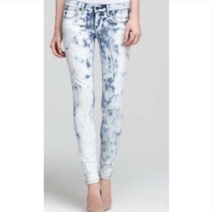 Joe's Jeans skinny light acid wash size 28